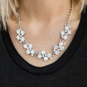 Paparazzi silver and pearl necklace